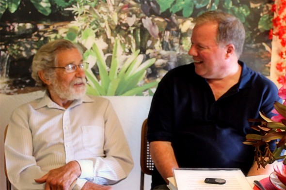 Don Buchla (l) im Interview mit Mark Vail