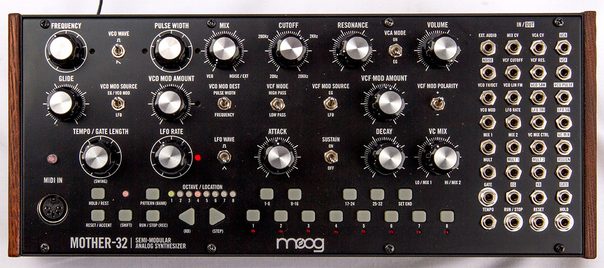 [Image: Moog-Mother-32-Draufsicht.jpg]