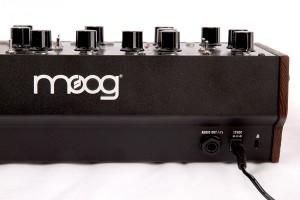 Moog Mother-32: Nur der Vollständig halber hier auch die Rückseite