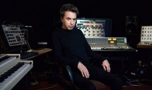 Jean-Michel Jarre Interview: Jarre im Studio (Foto: Sony)