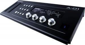 Roland A-01K Test: Nutzer sollten sich nicht von den Tasten und Reglern verwirren lassen.