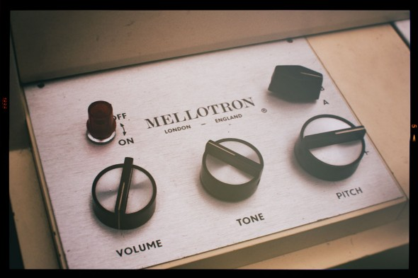 Das Mellotron - Mechanik pur! (Foto: Tobias Akerboom (at hutmeelz) - http://flickr.com/photos/13443215@N06/3528339151)