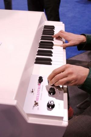 Mellotron: Ein Mark IV-Modell. (Foto: Buzz Andersen, 2007, http://www.flickr.com/photos/41894166582@N01/364322266/)