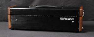 Roland SYSTEM-500 Test: Im optisch ansprechenden Koffer versteckt sich das ganze System.
