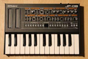 Roland JP-08 Boutique mit K-25M Tastatur