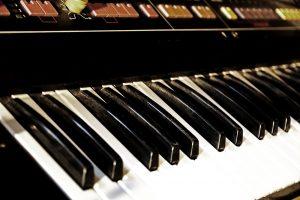 Roland Jupiter-6 Tastatur