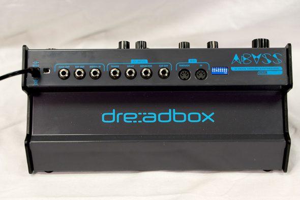 Dreadbox Abys Test Rückseite Anschlüsse
