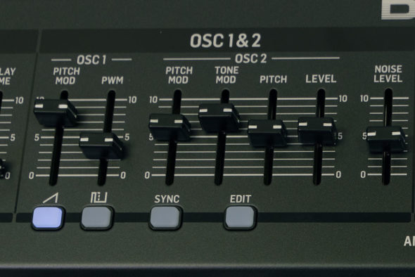 Behringer Deep Mind 12 Test Osc Section