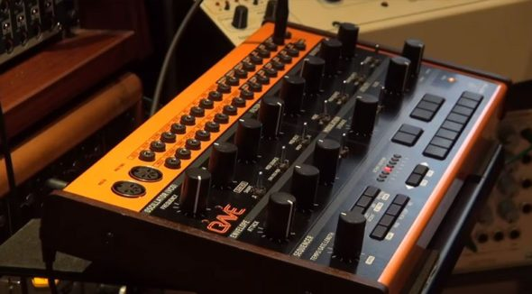Behringer Synthesizer Carve
